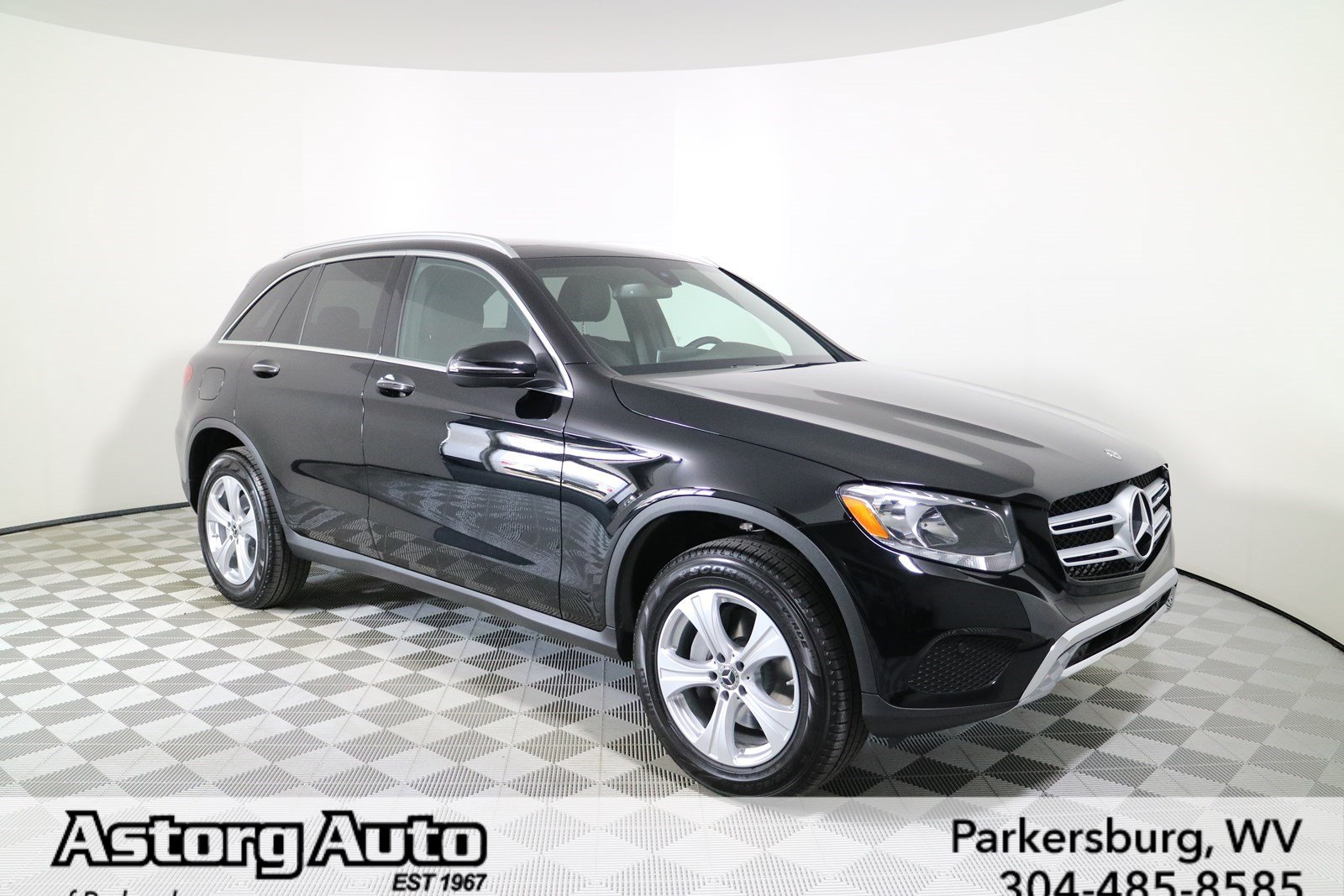 New 2017 mercedes benz glc glc 300 suv in parkersburg for Mercedes benz 300 suv